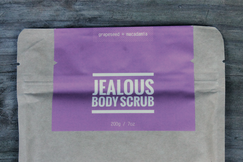 jealous-body-scrub-macadamia-and-grapeseed__
