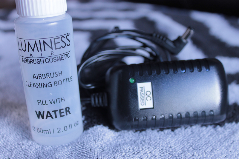 Luminess Air Cleaning Bottle and Charger