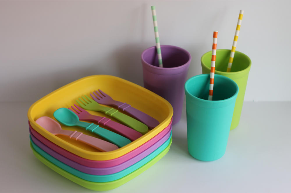 Re-Play Recycled Sorbet Collection : Plates, Cups and Utensils